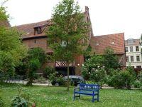 4579677-Heilig_Geist_Spital_courtyard_Wismar.jpg