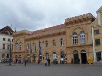 4581810-Town_hall_Schwerin.jpg