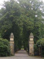 4587134-Zentralfriedhof_gate_Muenster.jpg