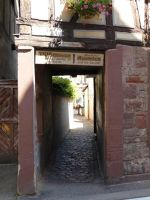 4593926-Entrance_to_the_passage_Wissembourg.jpg