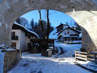 480672586771579-View_through..Mittenwald.jpg