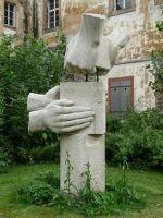 4893030-The_monument_Landau_in_der_Pfalz.jpg