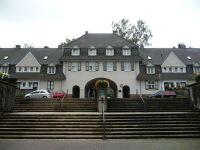 4906249-The_gatehouse_Essen.jpg