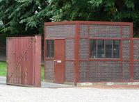 4906683-Gate_and_guard_house_Essen.jpg