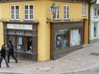 4953326-Old_shop_windows_Donauwoerth.jpg