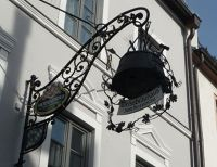 4997846-Brewers_sign_on_a_pub_Ingolstadt.jpg
