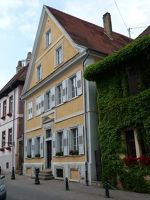 5085907-Historical_Town_Houses_Lauterbourg.jpg