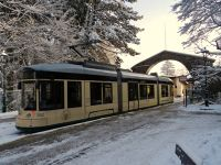 6458004-Tram_stop_at_the_top_Linz.jpg