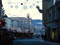 6458007-Christmas_Market_in_Hauptplatz_Linz.jpg