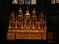 6464820-main_altar_Regensburg.jpg