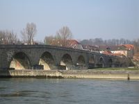 6464832-Steinerne_Bruecke_Regensburg.jpg