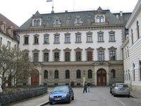 6464849-Thurn_und_Taxis_Palace_Regensburg.jpg