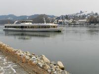 6753139-Inn_Promenade_Passau.jpg