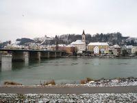 6753142-Inn_Promenade_Passau.jpg