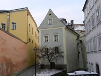 6753524-Street_views_in_the_Old_Town_Passau.jpg