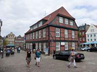 6798813-Fischmarkt_and_Waage_Stade.jpg
