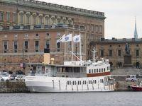 7079538-More_historical_ships_Stockholm.jpg