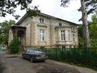 7169510-19th_century_villa_Wroclaw.jpg