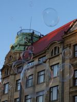 7175383-Soap_Bubbles_in_Rynek_Wroclaw.jpg