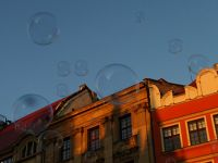 7175384-Soap_Bubbles_in_Rynek_Wroclaw.jpg