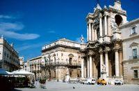 7295407-Baroque_Siracusa_Sicilia.jpg
