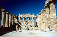 7295536-Selinunte_Sicilia.jpg