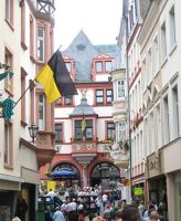 795801594071512-Main_street_..astel_Kues.jpg