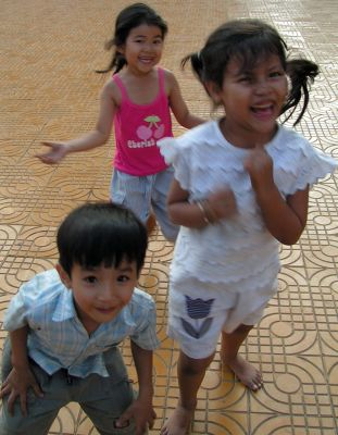 Children in Phnom Penh - Phnom Penh