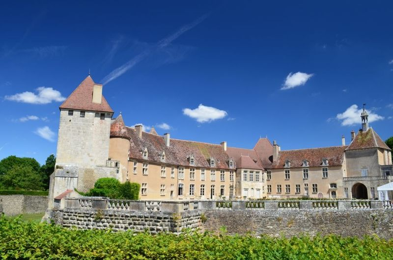The castle from the back - Époisses