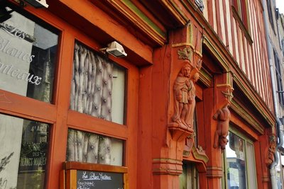 Carvings on Le Commerce Restaurant in Tours