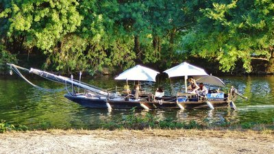 Picnic on the river Cher at Montrichard