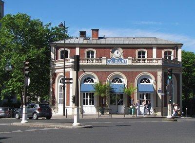 La Gare Restaurant near the Monet-Marmottan Museum
