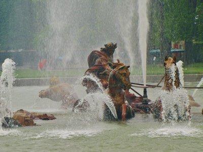 Apollo Fountain in the rain