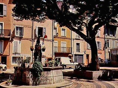 Fountain at Place Pied de Ville in Digne-les-Bains