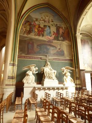Église Saint Gervais et Saint Protais<br />The Pieta of Jean-Pierre Cortot (1787-1843) surrounded by the worshiping angels of Leboeuf-Nanteuil