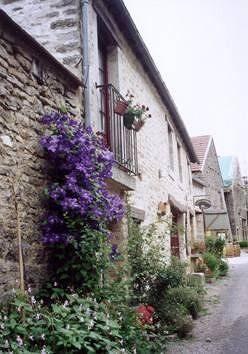 Street scene at Châteauneuf near Beaune
