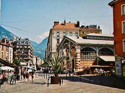 Les Halles Sainte-Claire, the market