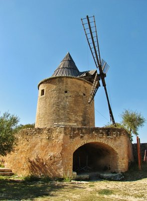 Windmill in Goult