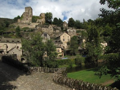 Belcastel, looking over the village to the Château