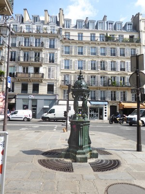 Fontaine Wallace at One rue du Rivoli