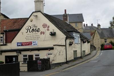 The Rose Inn just before the bridge