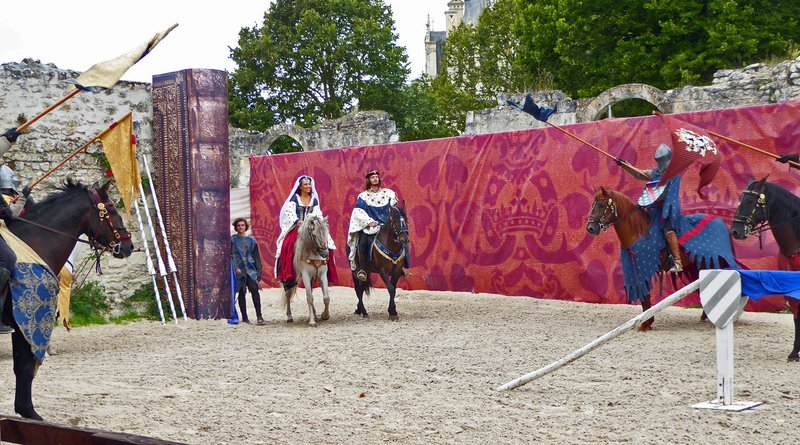 Château de Chambord Equestrian Show - Entrance of the King and Queen