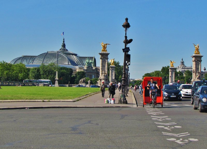 Pont Alexandre III and the Grand Palais on the way home