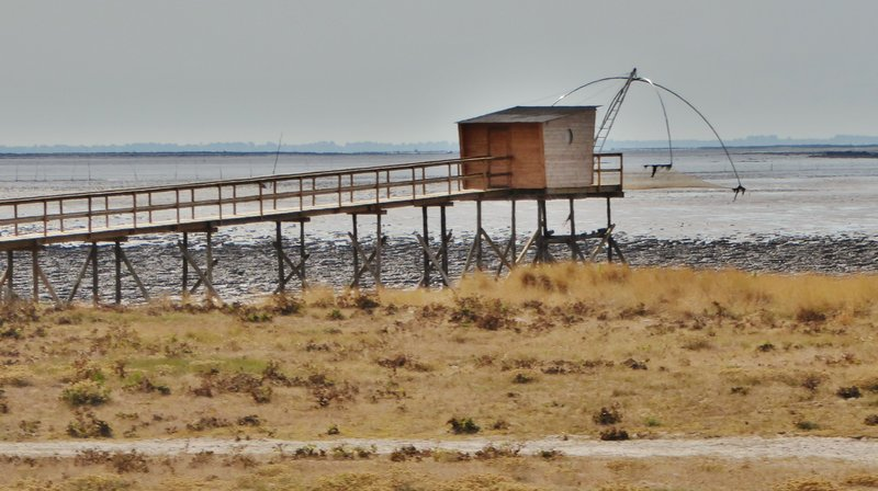 Fishing hut with flying nets