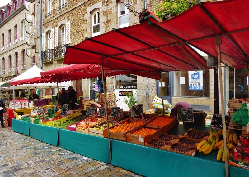 Fougères Saturday Market on rue Nationale