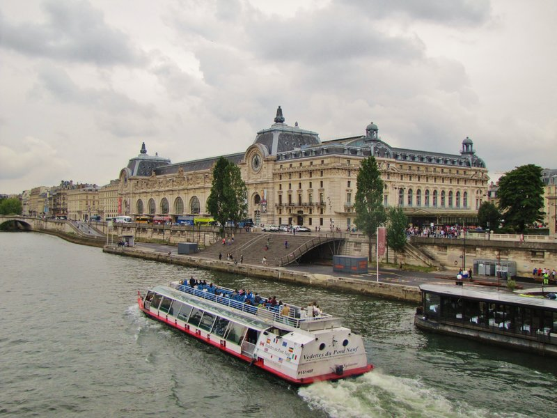 Musée d'Orsay from the bridge