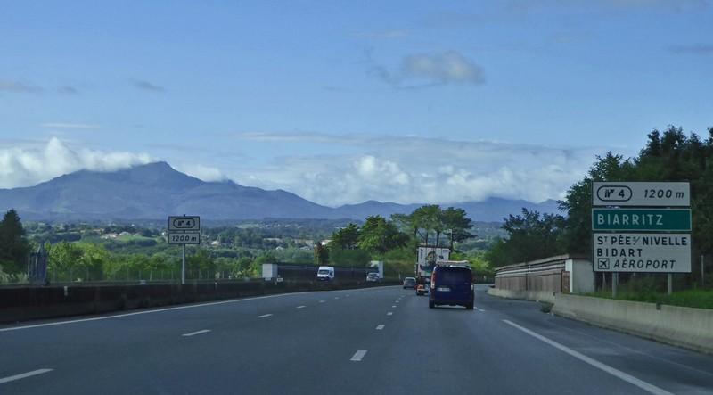 The Pyrénées magically appear
