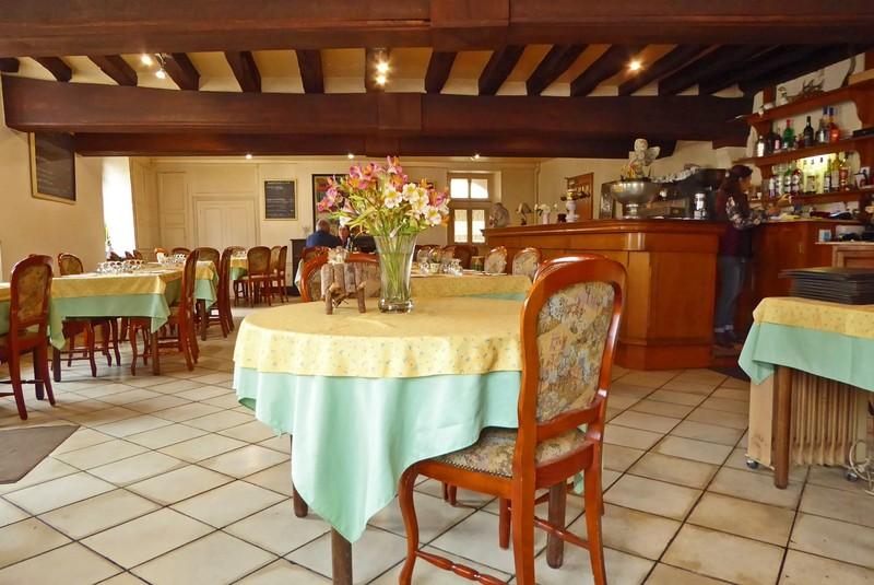 Restaurant Le Grand Chancelier beside Château de Cheverny