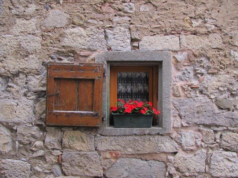 Small window in Lagrasse