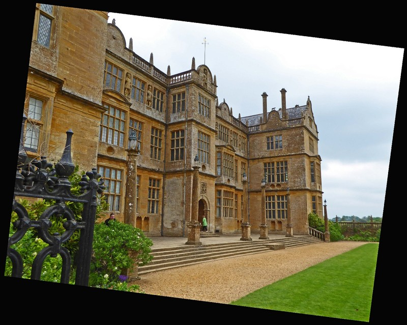 Montacute House from the side walkway